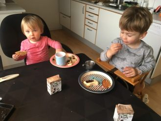 Formiddagsmad hos mormor