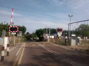 pic of level crossing