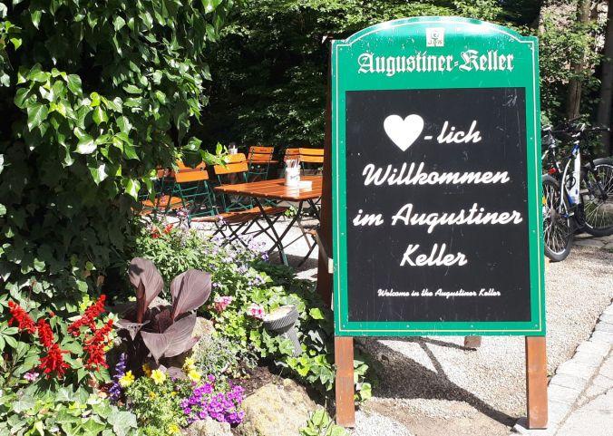 2019-06-09_B2_20180527_111444 Willkommen im Augustiner-Biergarten_V1a_r1500