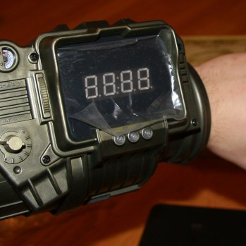 Me And My Fallout 3 Pipboy 3000 Replica (Whole) Wrist Watch