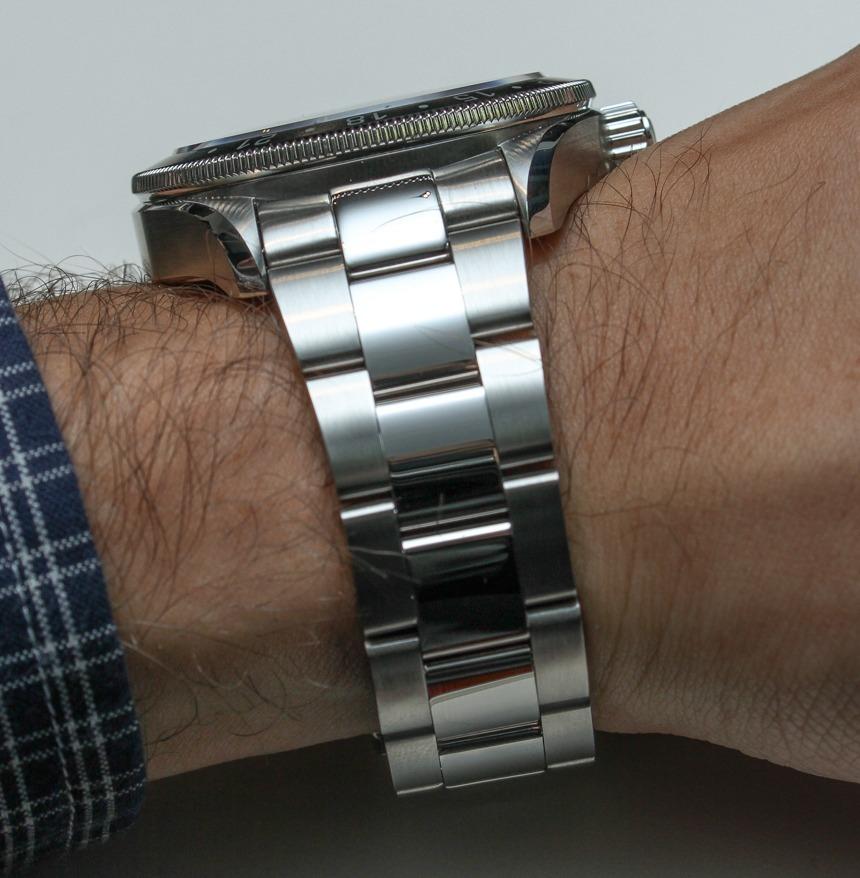 Alpina Alpiner GMT Watch HandsOn ABlogtoWatch - Alpina gmt