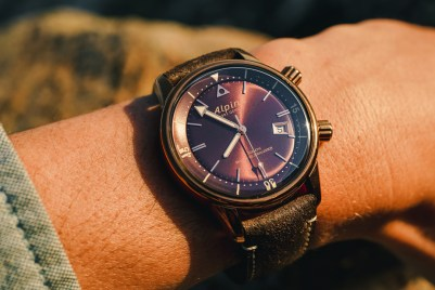 Alpina Seastrong Diver Heritage Watch Hands-On Hands-On