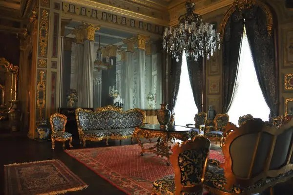 Dolmabahce-Palace_149