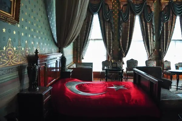 Dolmabahce-Palace_162