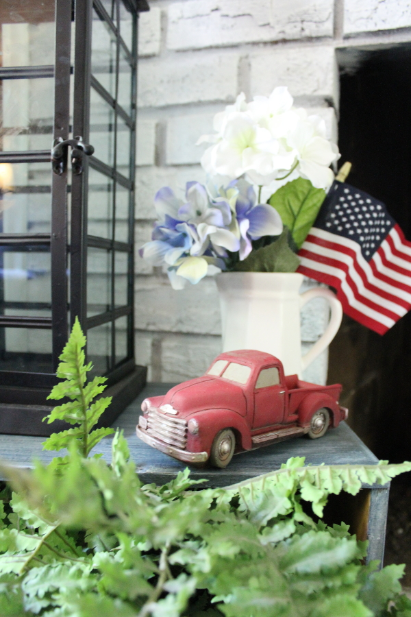 farmhouse, cottage, patriotic, americana, summer decor