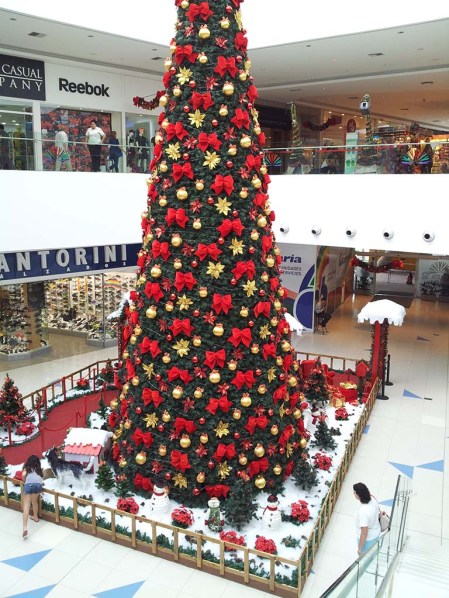 Weihnachtsdeko im Shopping-Center Nähe Montevideo