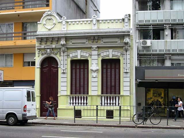 Schön das so etwas in Montevideo überleben darf.