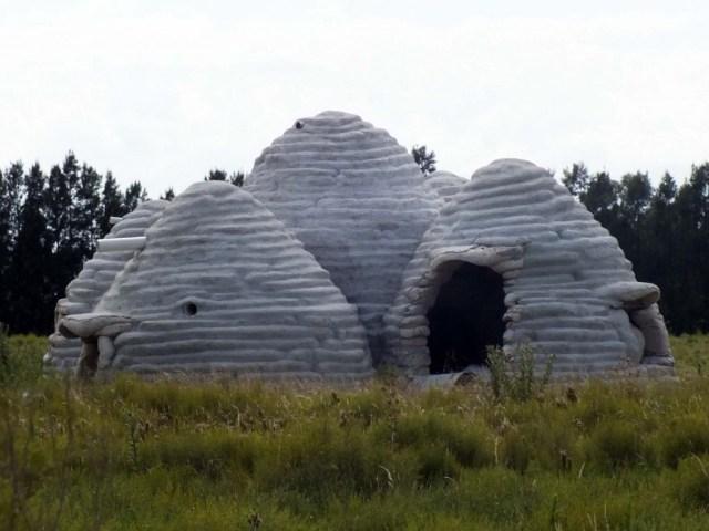 Earth-Bag-Building - Sandsack-Haus