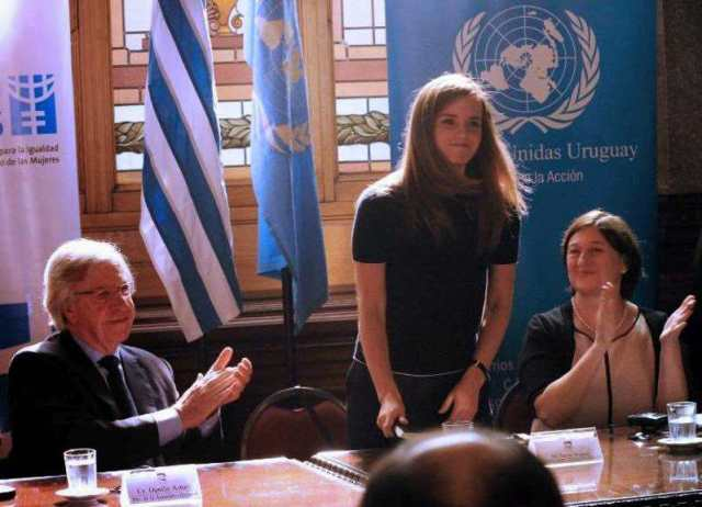 Watson im Parlament in Montevideo - Bild: AFP