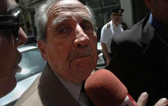 Gregorio-Alvarez-2007-nach-seiner-Verhaftung-Der-ehemalige-Militaerdiktator-wurde-wegen-mehrfachen-Totschlags-zu-25-Jahren-Gefaengnis-bestraft-worden.jpg