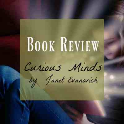 Book Review ~ Curious Minds: a Knight and Moon novel by Janet Evanovich