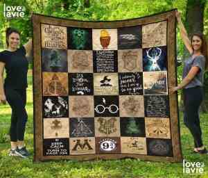 quilt with different Harry Potter squares, a very useful Harry Potter product