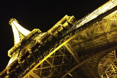 Eiffle-Tower-at-night