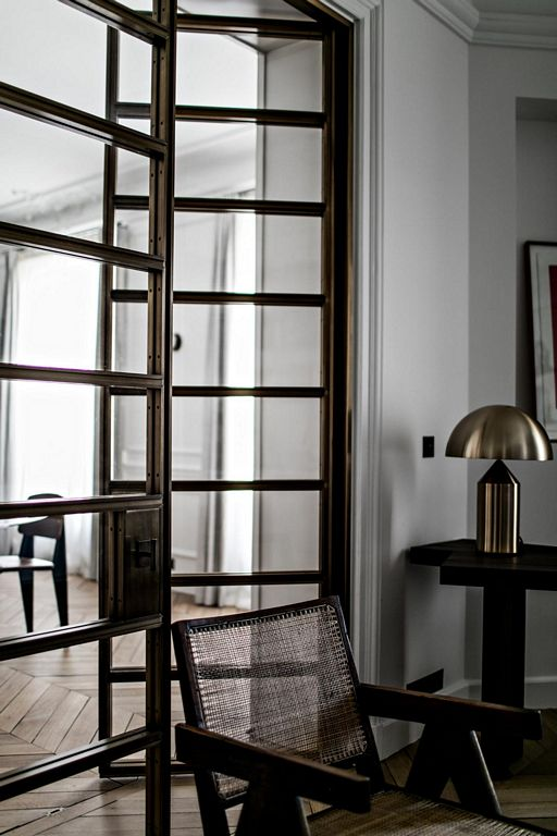 A paris apartment in Saint-Sulpice by Jean Charles Tomas