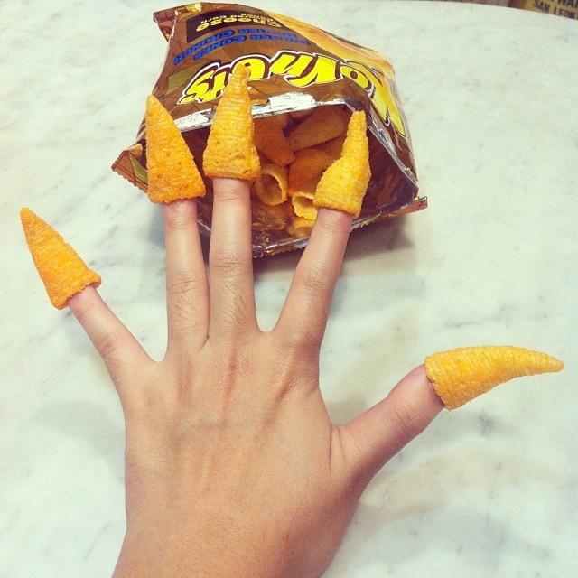 Kornets on fingers