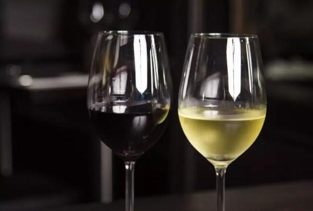 Сухое вино раскрывает свои полезные свойства