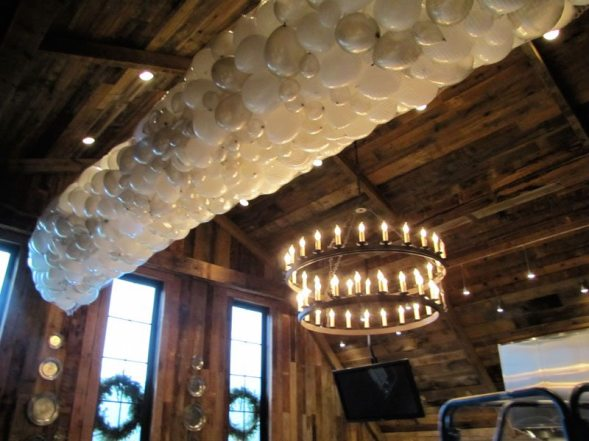 Balloon drops are perfect for New Year's Eve parties