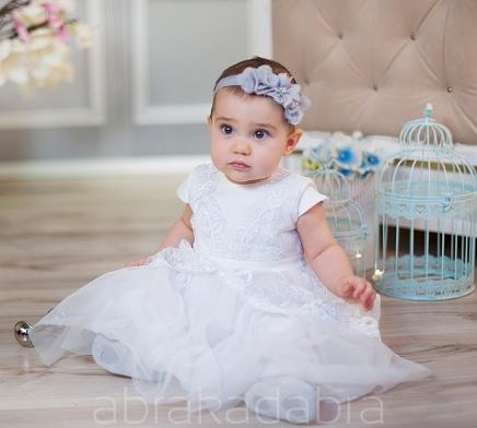 Sukienki na chrzest dla dziewczynek wyjtkowe i gustowne