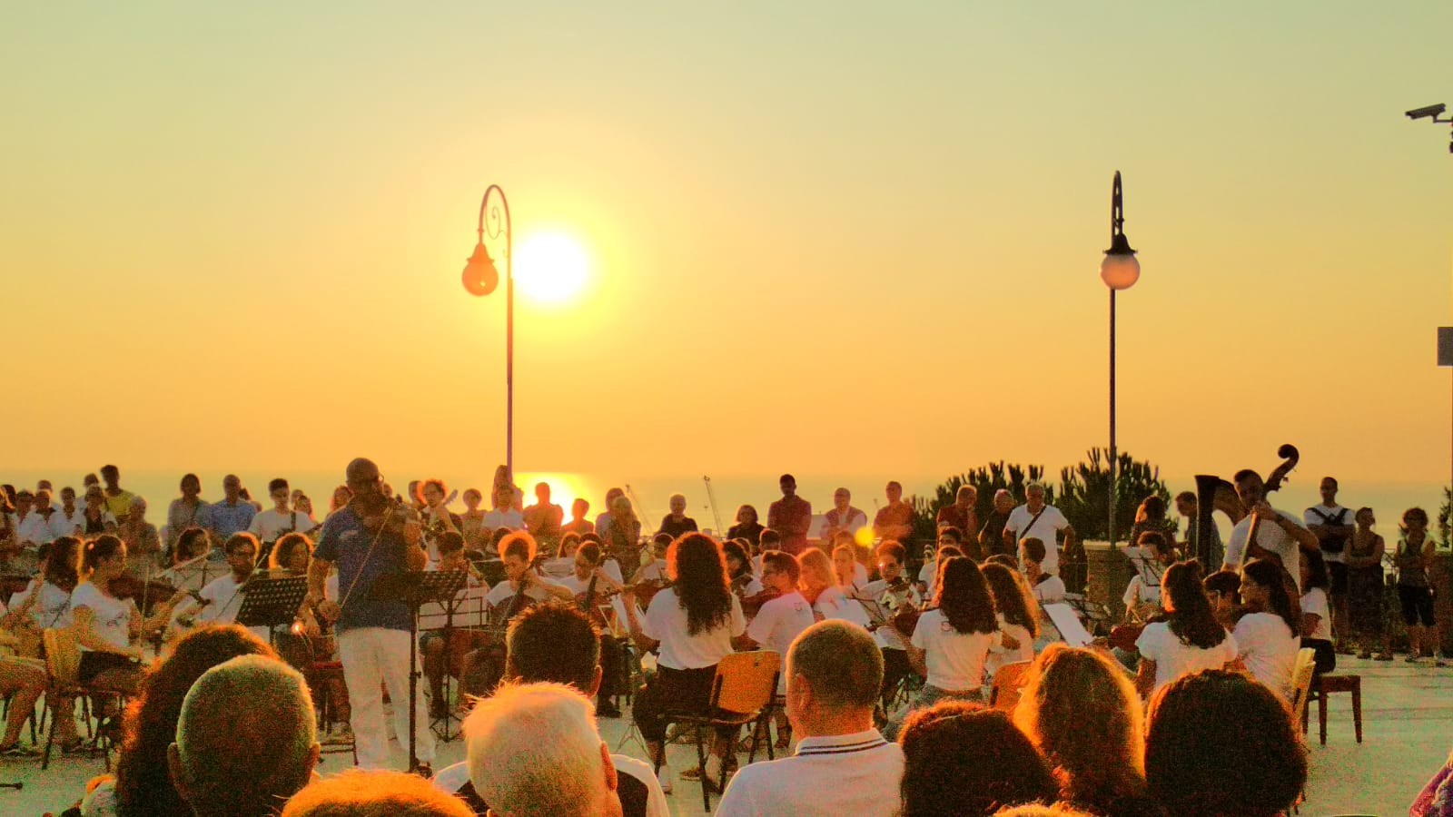 IL CONCERTO DELL'ALBA AD ORTONA: MAGIA DI MUSICA E NATURA