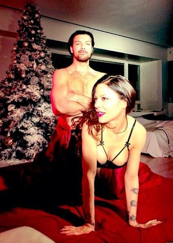 Per Naike Rivelli Il Natale  davvero hot Video ai limiti