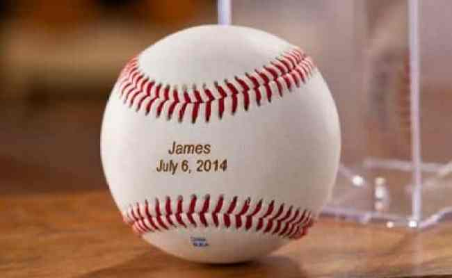 Top 15 Gifts For Baseball Lovers 2019 Absolute Christmas