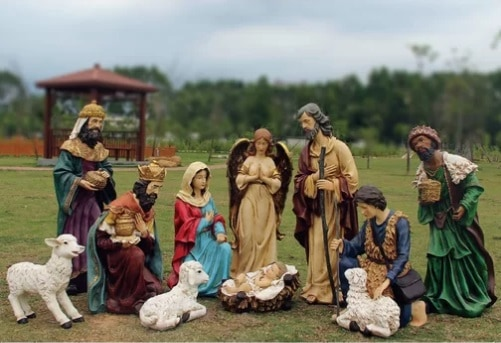 12 Piece Outdoor Nativity Figurine Set with Cr%C3%A8che