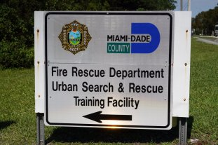 Miami-Dade Fire Rescue Big Rig Technician Training (17)