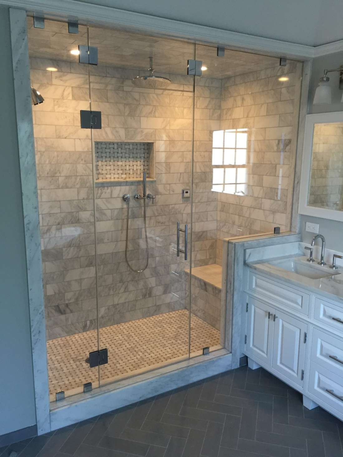 Frameless Steam Enclosure with Operable Transom