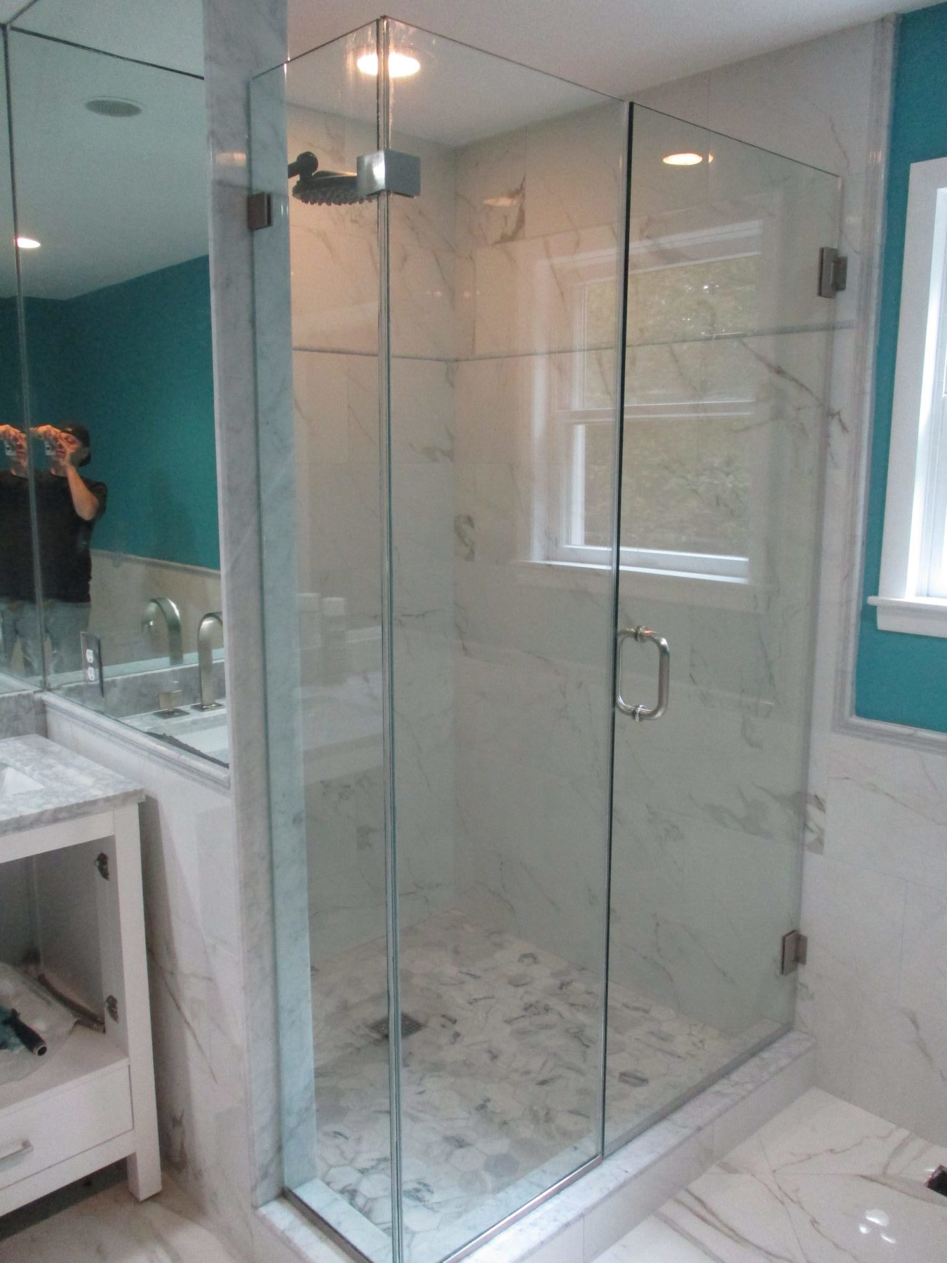 Frameless Corner Enclosure Mahopac