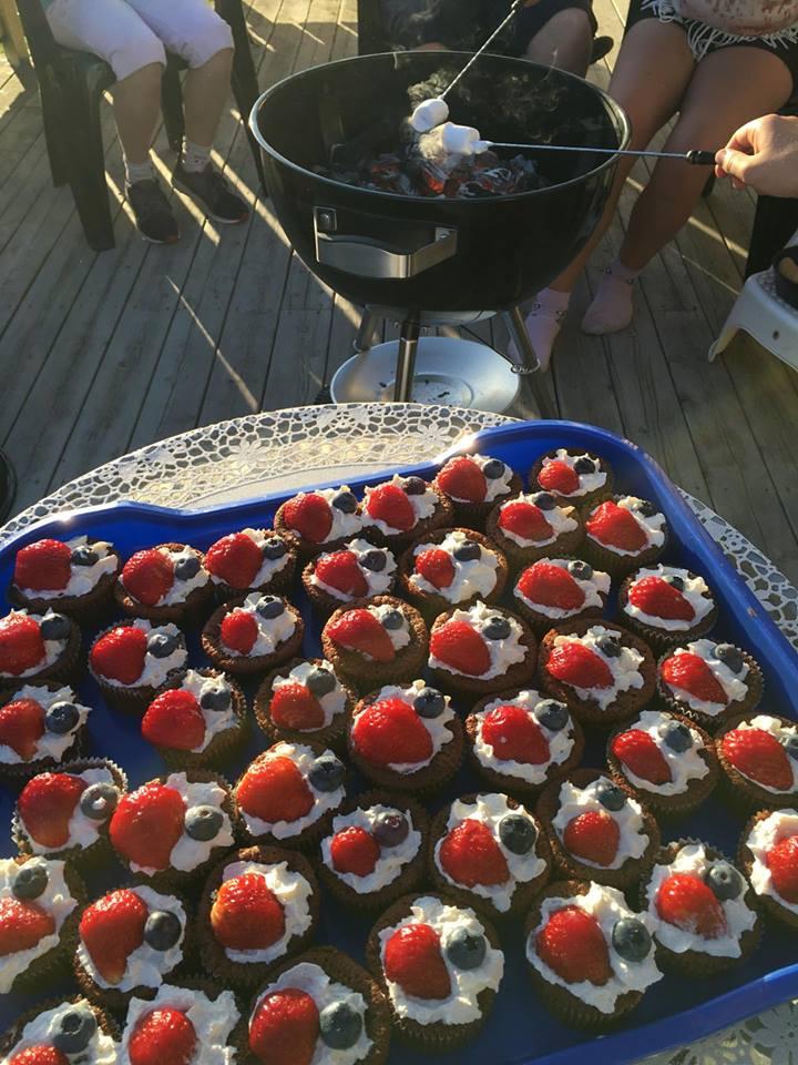 Tante er amerikaner, så de markerte 4. juli med 4.juli-muffins!