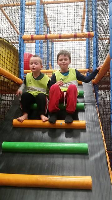Barna er alltid fornøyde når vi drar til spenst. Det er en fantastisk aktivitetspark for barna på dette senteret. Jeg er såå fornøyd med det!