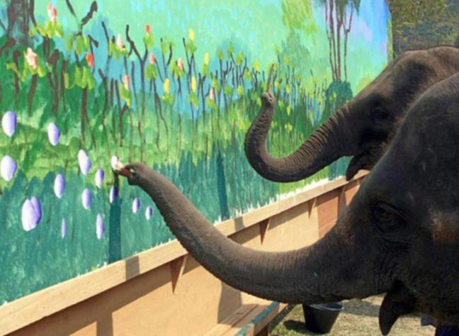 elefanti pittori
