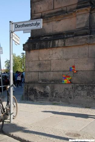 Jan Vormann - L'artista che ripara gli edifici con il Lego