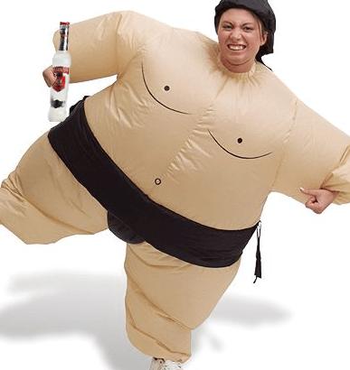 Aggredisce ex vestita da lottatore di sumo- immagine repertorio