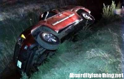 Si schianta con l'auto per evitare un vampiro