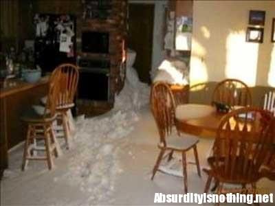 Neve dentro la casa