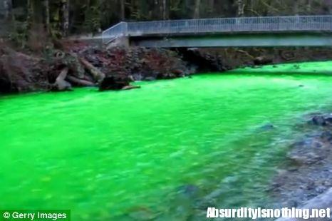 fiume fluorescente