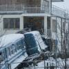 Ruba un treno e si schianta contro una casa (6)