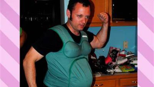 L'uomo che ha voluto provare l'esperienza della gravidanza