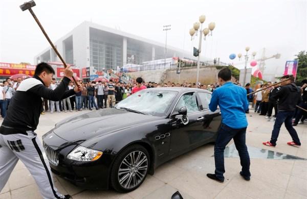 Fa martellare la Maserati da $420.000 (2)