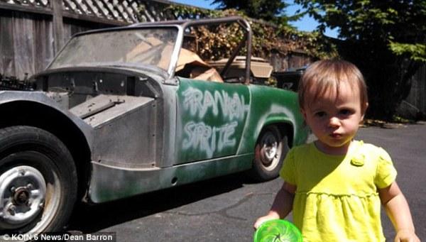 Bimba di 1 anno compra un'auto su eBay con lo smartphone del padre (2)