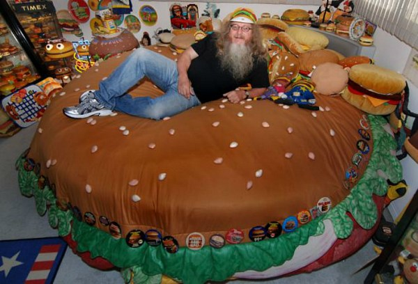 Harry, il più grande fan degli hamburger (3)