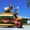 Harry, il più grande fan degli hamburger (5)