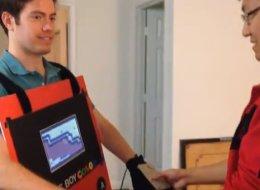 Inventano il costume Game Boy con cui si può giocare davvero