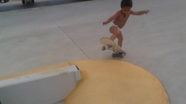 Lo skater più piccolo del mondo (2)
