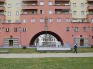 L'edificio residenziale più grande del mondo (3)