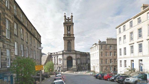 Campana troppo rumorosa a Edimburgo