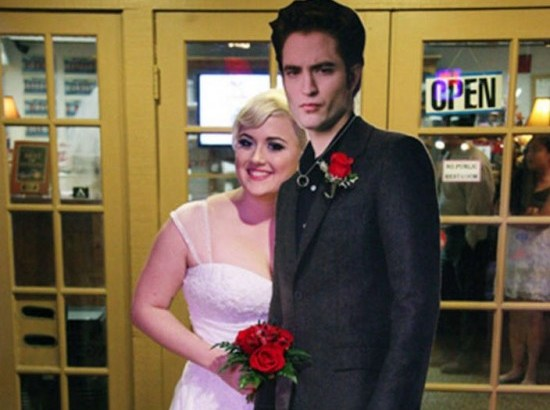 Sposa la sagoma di Robert Pattinson