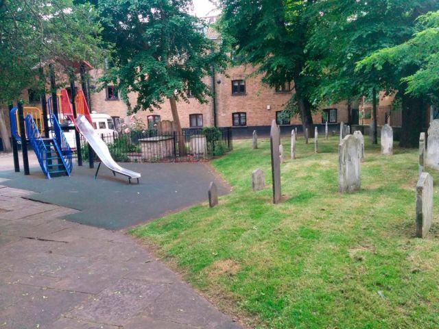 Le foto dei parchi giochi più pericolosi