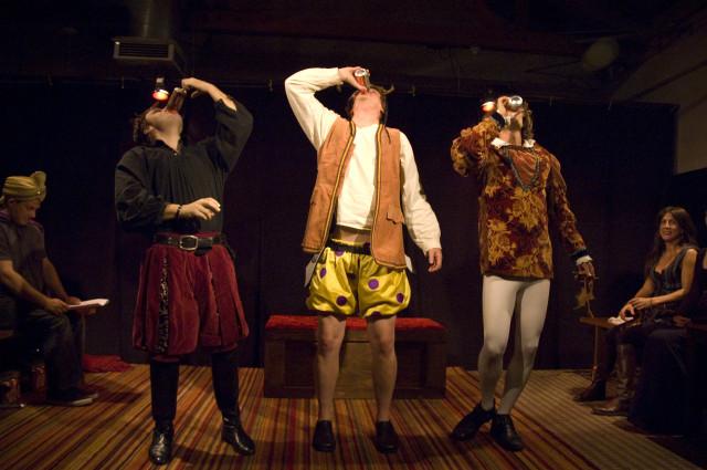 Compagnie teatrali recitano Shakespeare ubriachi (1)